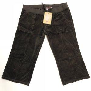 New juicy couture brown velour capri pants